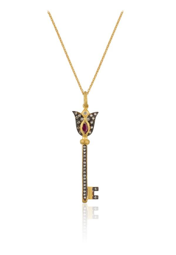 Diamond by Naci Şenocaklı ile anahtar kolyeler gün yüzüne çıkıyor!