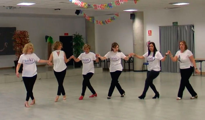 Coreografa para baile en grupo Sirtaki  Mucho Ms Que Baile