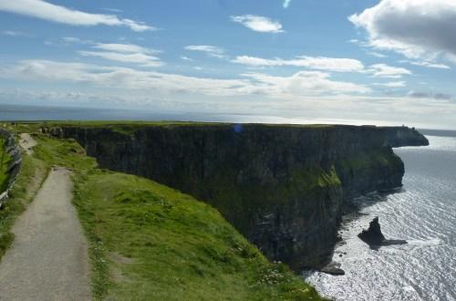 galway cliffs of moher irlanda