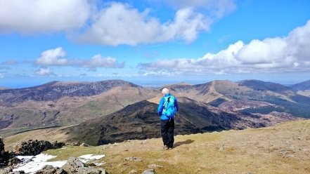 Looking along the ridge towards Moel yr Ogof