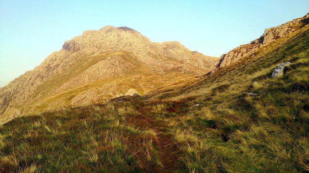 Cwm Idwal and Llyn Bochlwyd Mid Level Snowdonia Walk