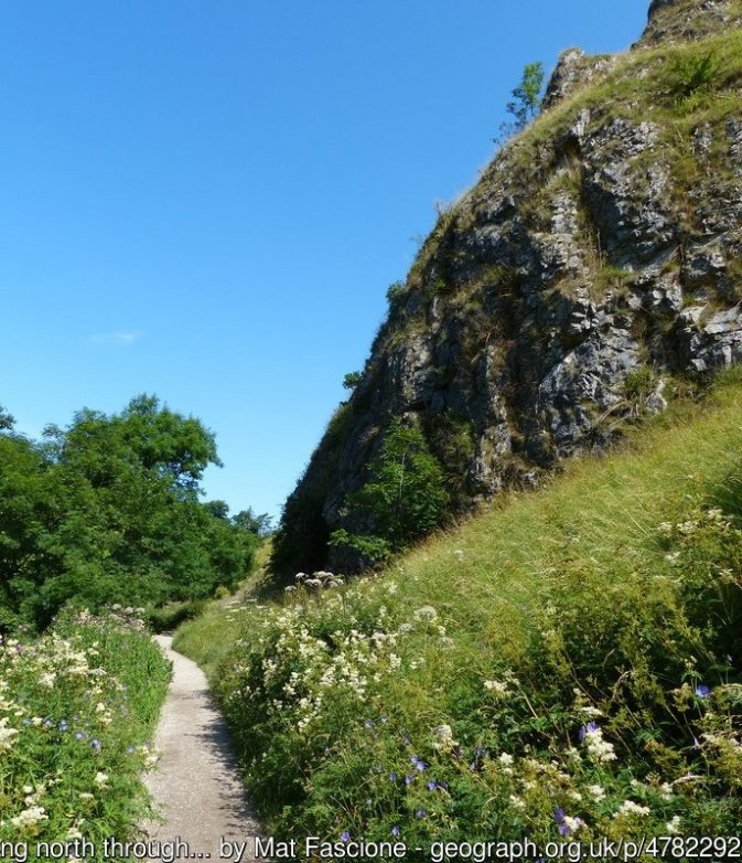 Best Walks in the Peak District - Dovedale circular walk