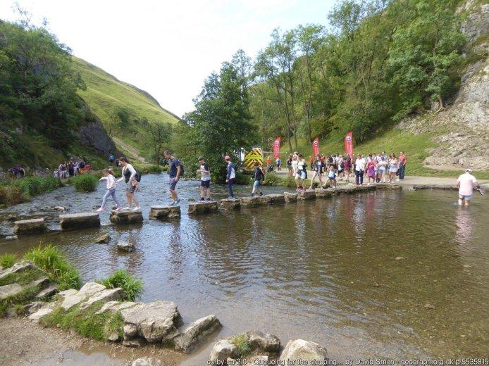 Best Walks in the Peak District - Dovedale circular walk