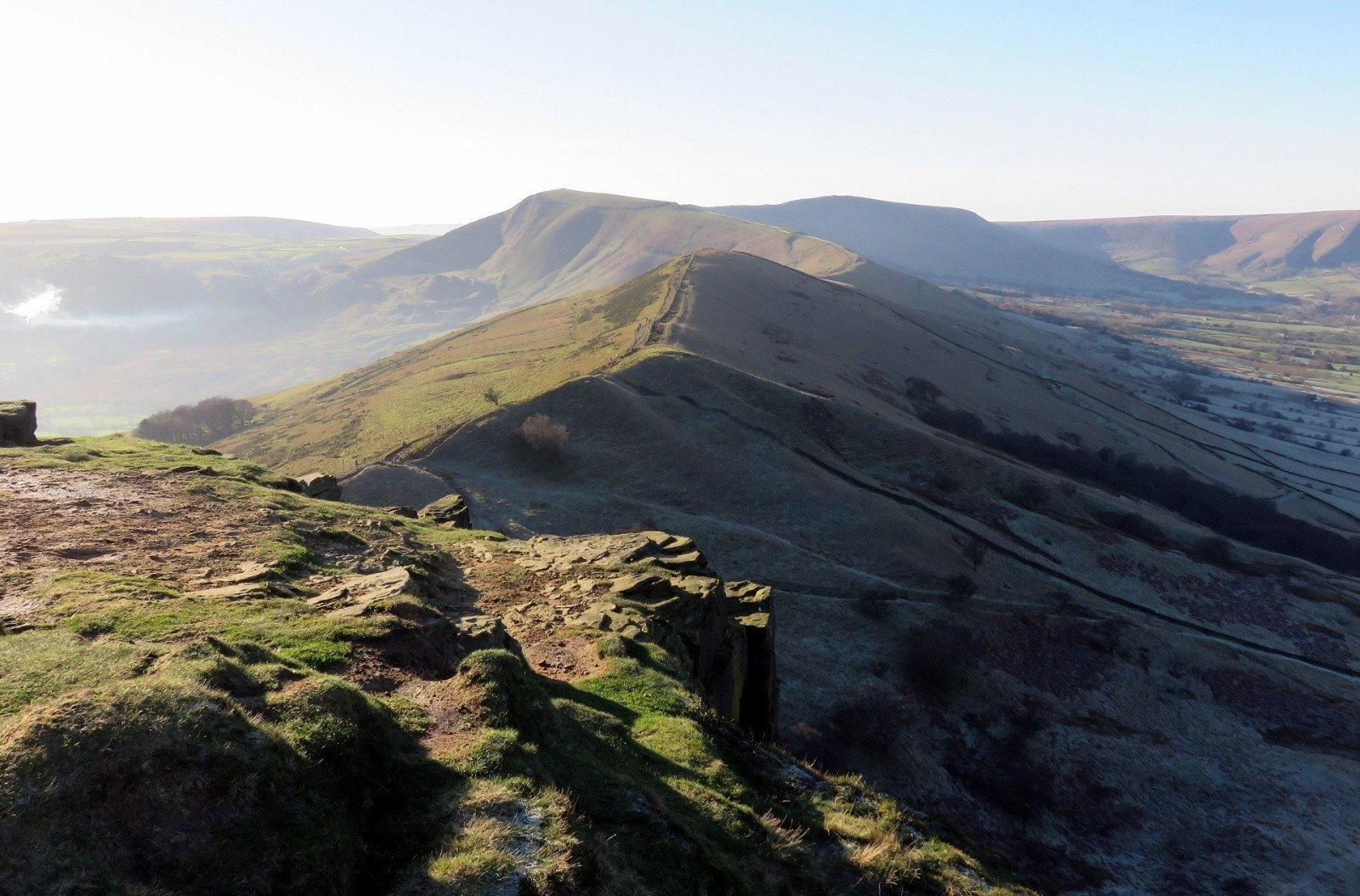 Walk up Mam Tor and the Great Ridge from Castleton - Peak District