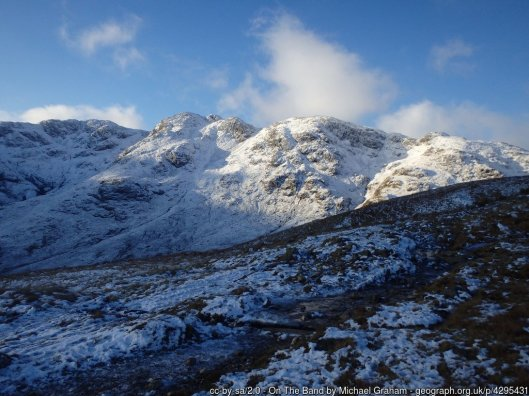 Walk up Bowfell via The Climbers Traverse from ODG