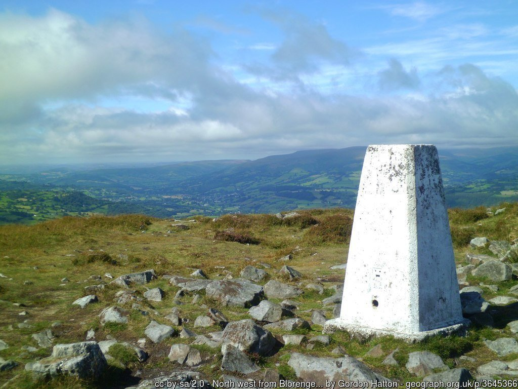 Cambrian Way Stage 2 – Risca to Y Fenni (Abergavenny)