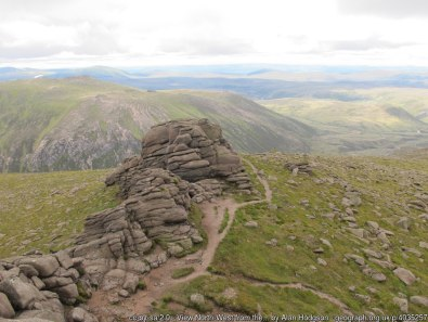 View North-West from the top of Leabaidh an Daimh Bhuidhe Looking across the mile wide Slochd Mòr to Stob an t-Sluichd.