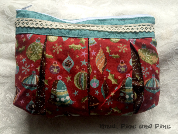 Festive pouch found on Mud, Pies and Pins
