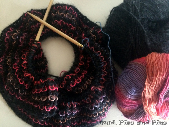 Knitting WiP Wednesday | Mud, Pies and Pins