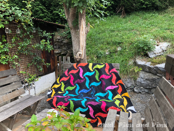 Dancing waves quilt top | Mud, Pies and Pins