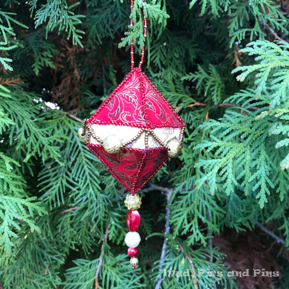 Beaded EPP Ornament | Mud, Pies and Pins