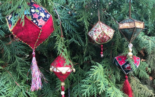 A Handmade Christmas - Beaded EPP Ornaments