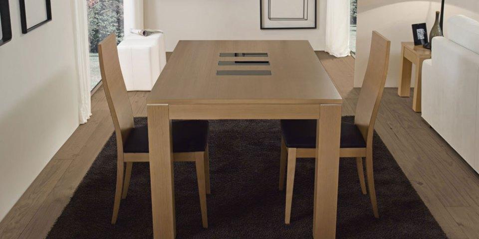 Mesa de centro y sillas Modelo Pemi 6000
