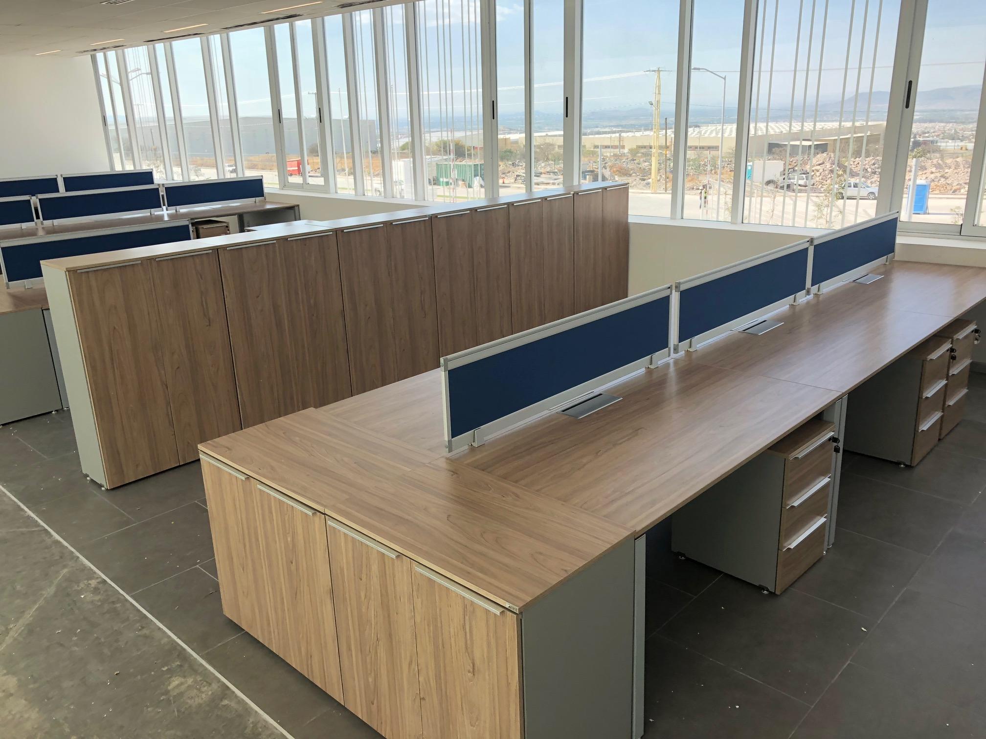 Diseño de espacio, venta e instalación de muebles de oficina en Hirschvogüel  San Juan del Rio, Querétaro