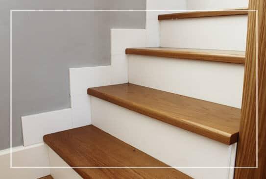 Escaleras de madera y cristal  Muebles Mudeval