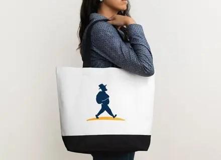 Frau mit Strandtasche von Müllers Lust