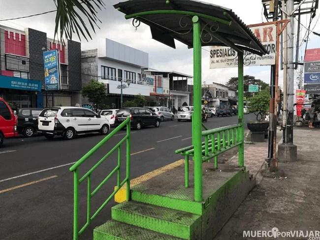 Estación de autobus en Yogyakarta