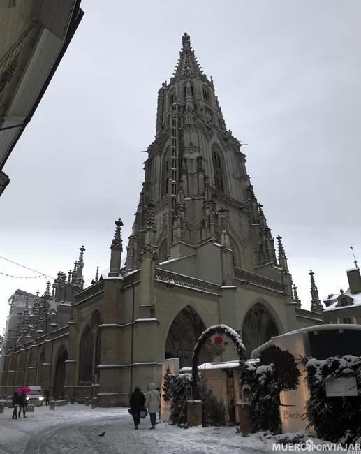 La catedral de Bern tiene una torre enorme que se puede visitar