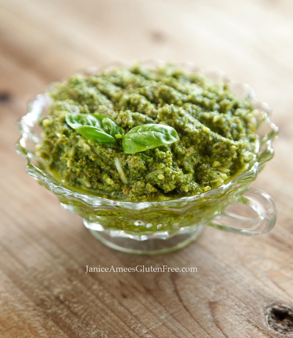 DELICIOUS homemade Pesto Sauce Recipe!