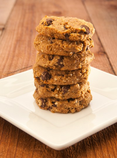 Delicious Quinoa Peanut Butter and Chocolate Chip Cookie Recipe