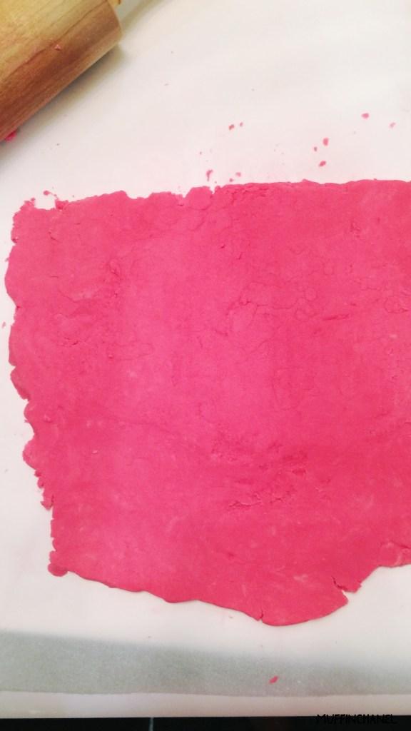 muffinchanel bubble bar recipe lush inspired lush cosmetics diy preparing the dough to roll