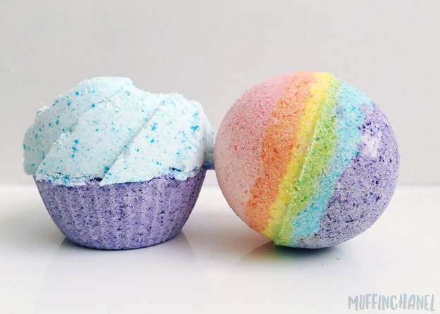 The cutest DIY Cupcake Bath Bomb on Pinterest. Love it! ❤ MuffinChanel size comparison with original diy bath bomb