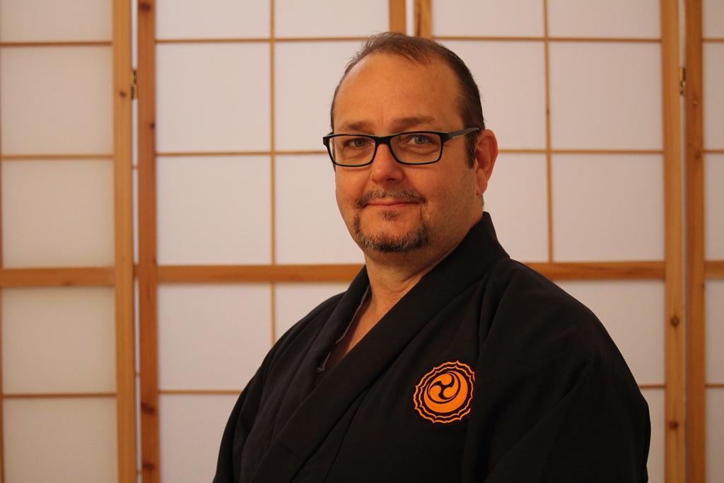 Kaichō 会長 Mario Klersy