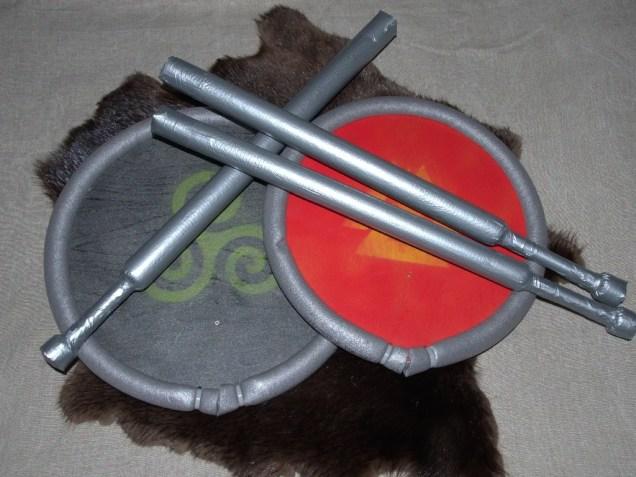 kilp ja mõõk, kingitus, sõdalase varustus
