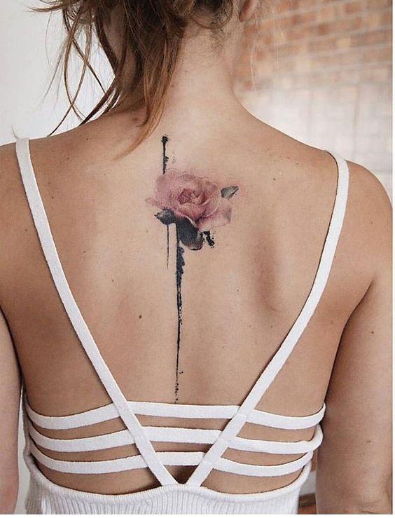10 Tatuajes Lineales En La Espalda Que Te Haran Lucir Súper Sexy
