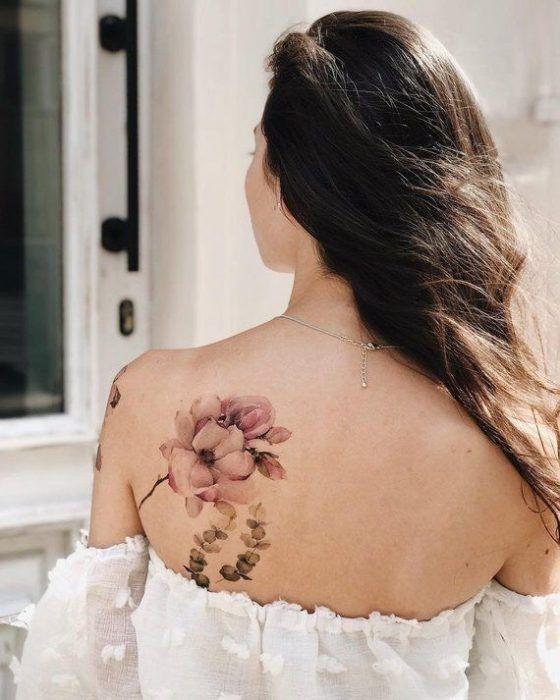 Tatuaje Flores En Espalda Acuarela Mujer De 10