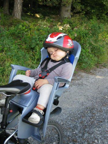 Elegir silla de beb para la bici  Mujer deportista