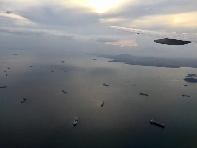 Legando a Panamá, vista de los barcos en espera para entrar al Canal de Panamá