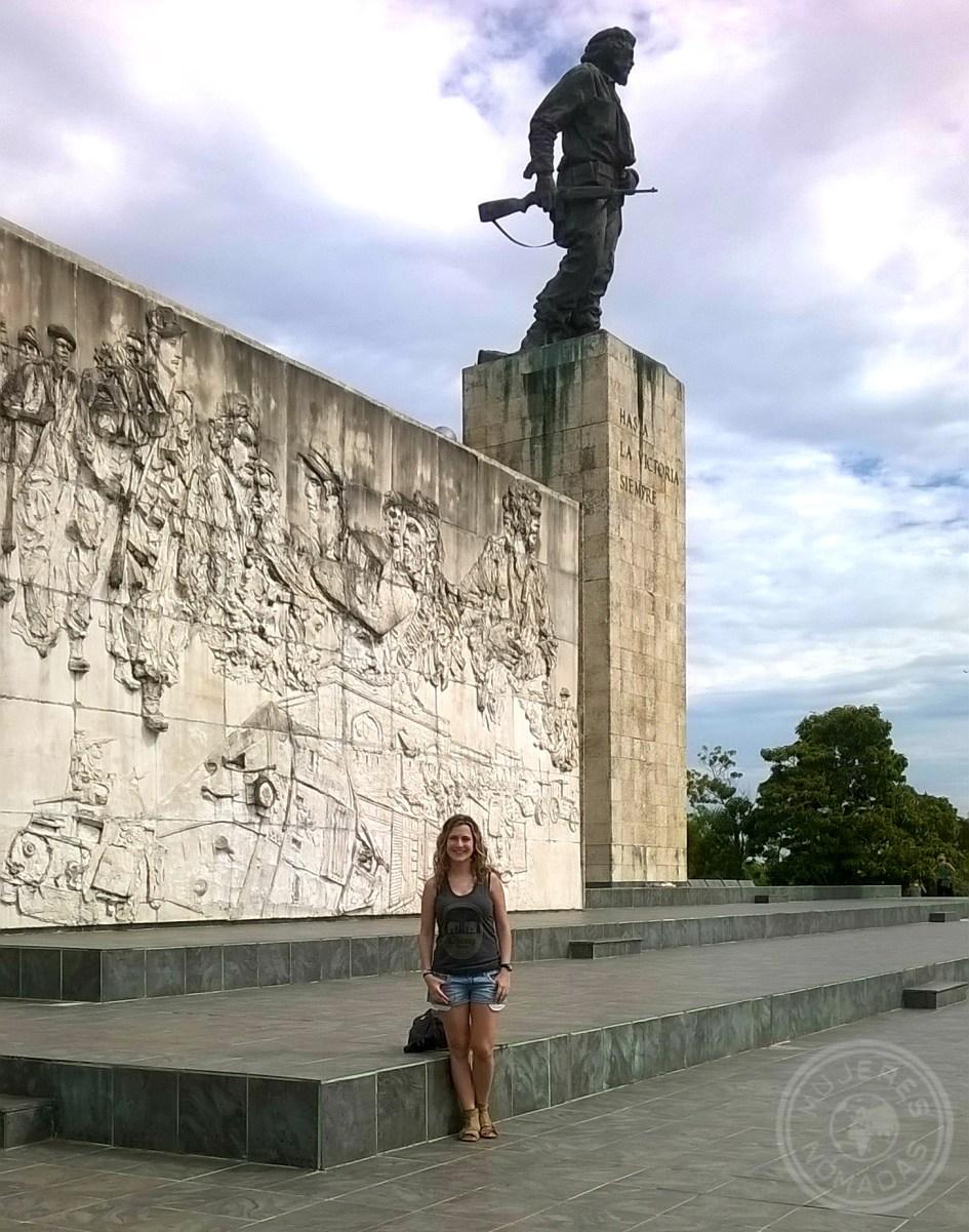 25 Minutos distan del Parque Vidal al Memorial Comandante Che Guevara. Es gratuito. ¡Uno de los lugares que más me gustó de Cuba!
