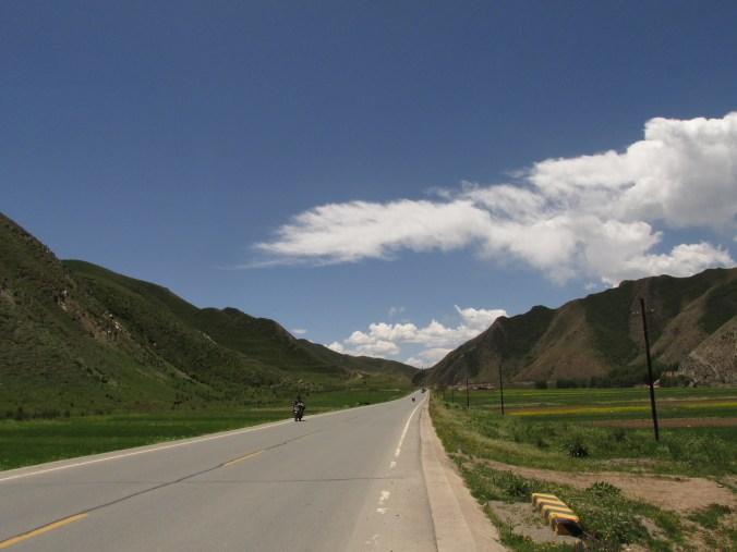 Carretera cerca de Xiahe, China