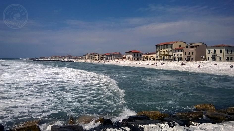 Marina di Pisa.