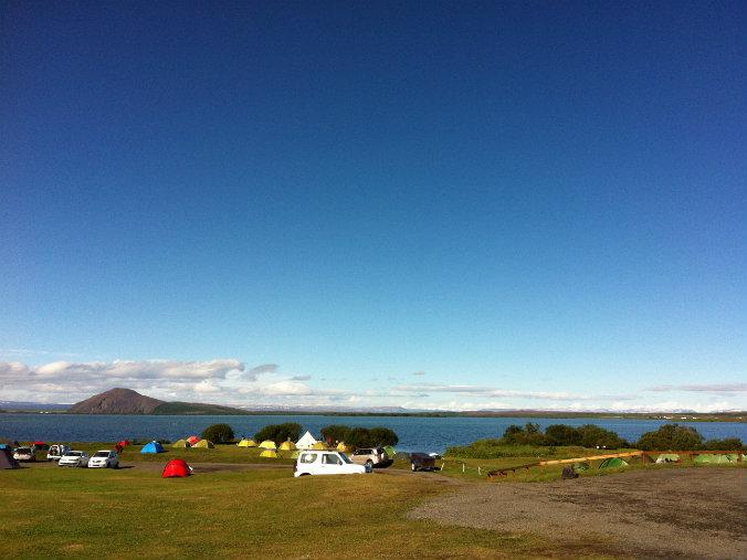 Camping en el lago Mývatn