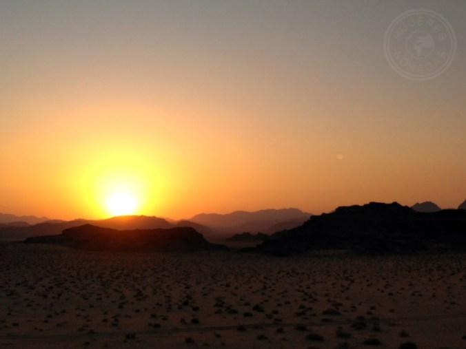 Atardecer en agosto en el desierto jordano, Wadi Rum.
