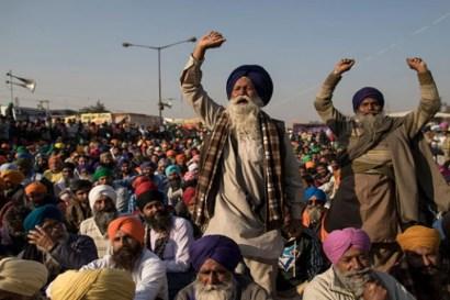 بھارت میں کسانوں کا احتجاج، وزیر کے بیٹے نے 8 افراد کچل ڈالے