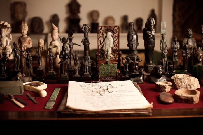 Sigmund Freudun yazi masasi min