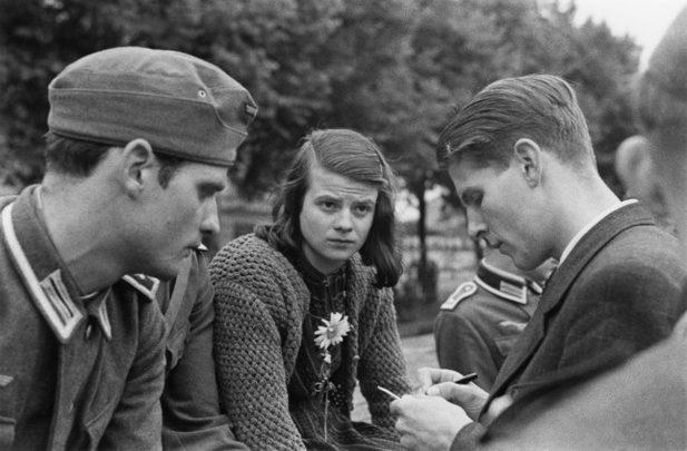Nazilere karsi Beyaz Gul Dernegi
