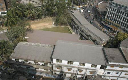 চট্টগ্রামের বিপন্ন দুটি স্কুল