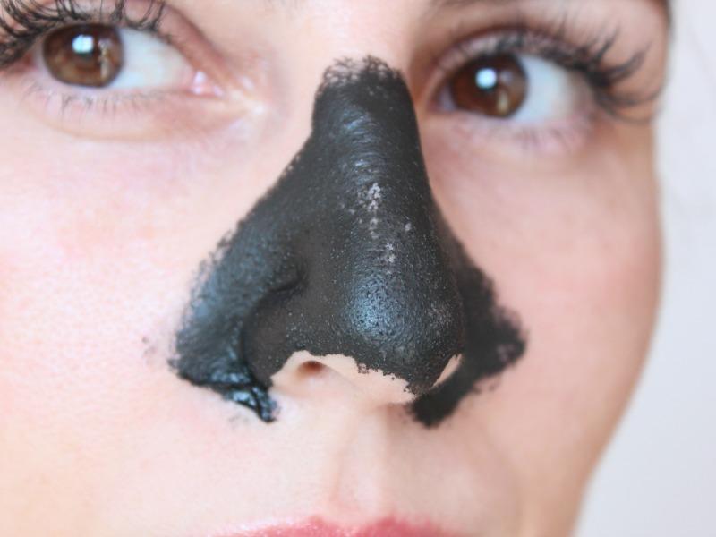 Máscara Negra para cravos no nariz – Daiso