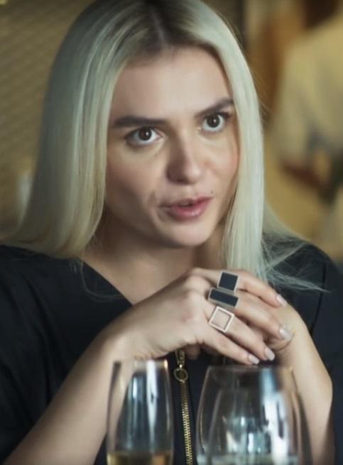 Cabelo Monica Iozzi Kim A Dona do Pedaço - cabelo platinado
