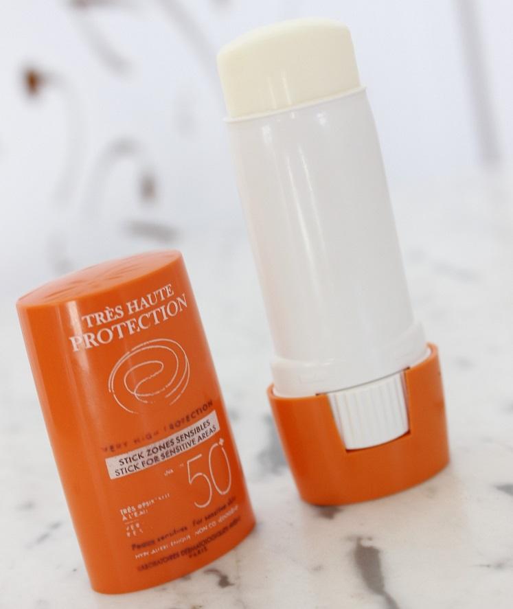 Avene Stick Protetor Solar pele sensível - resenha na área dos olhos