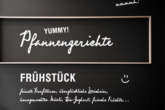 moodely_brand_identity_coffee_kitchen_corporate_design_fuiz_lugitsch_17