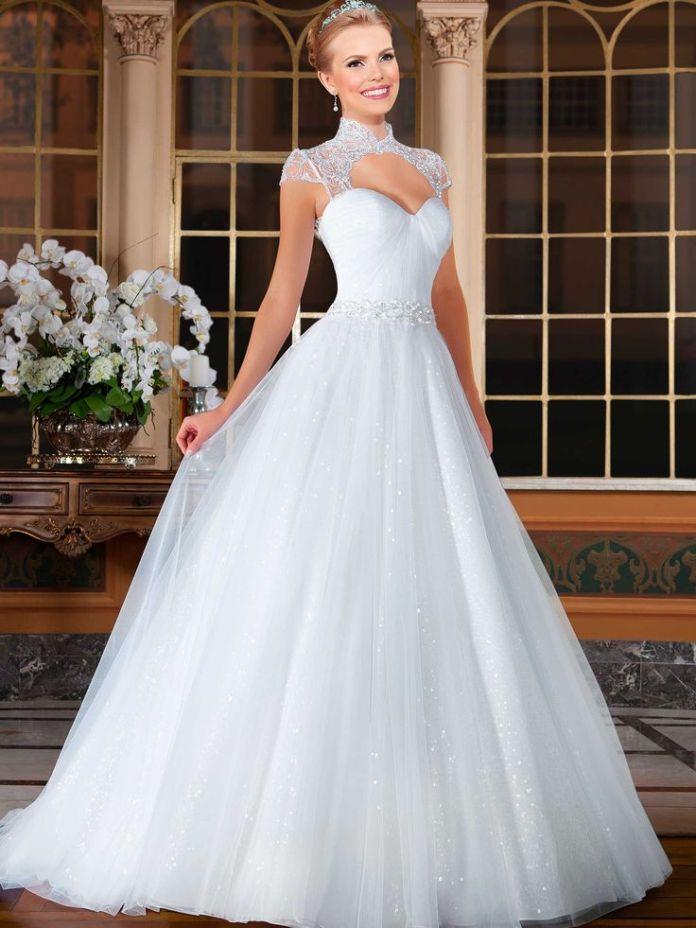7d6e61155a6900b920facefeaf3f39c7--beautiful-wedding-dress-bride-dresses
