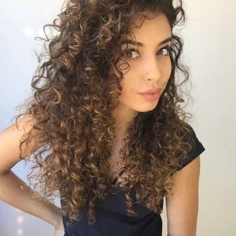 9b920ee34605f91b4180d838aa986f7b--a-curly-hair-molas