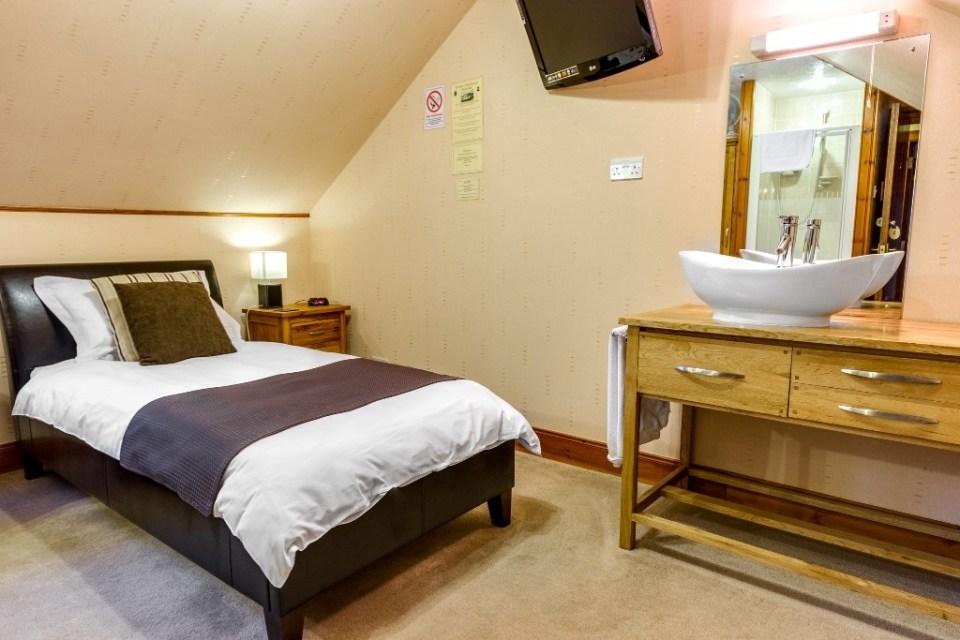 Room-3-1024x683