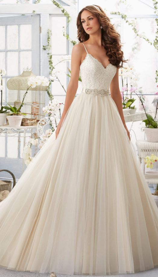 b0d2c582edbbd7701c91ddb5cdd33dba--tulle-wedding-dresses-bridal-gowns