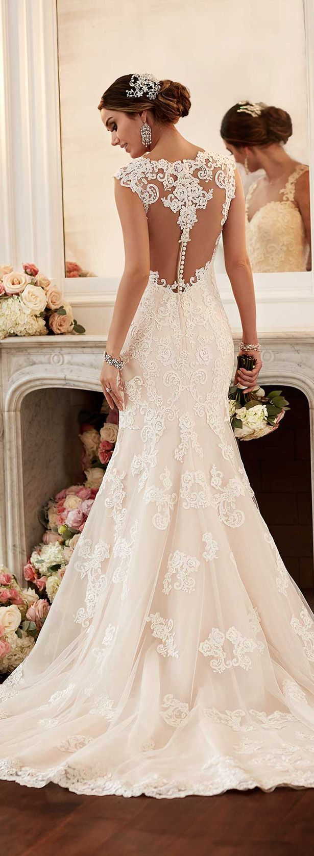db4dba70b09aadb17b3f325e9ba43a73--lace-back-wedding-dress--wedding-dresses